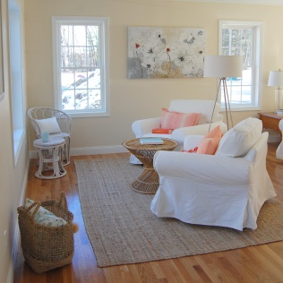 Home staging under agreement 1st showing